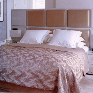 GLAMOUR SATEEN 'MARILYN PLEAT' Bedcover_preview